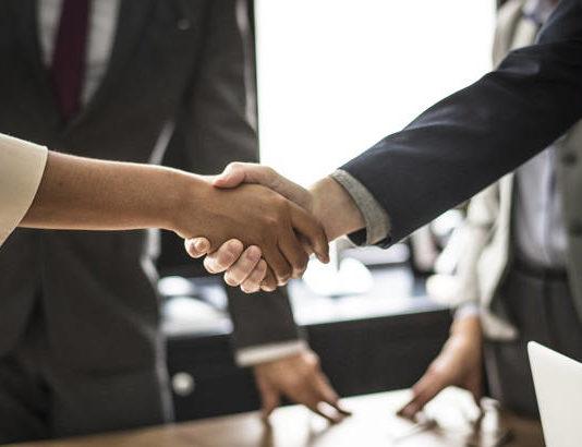 Umowa kupna-sprzedaży samochodu - co powinna zawierać?